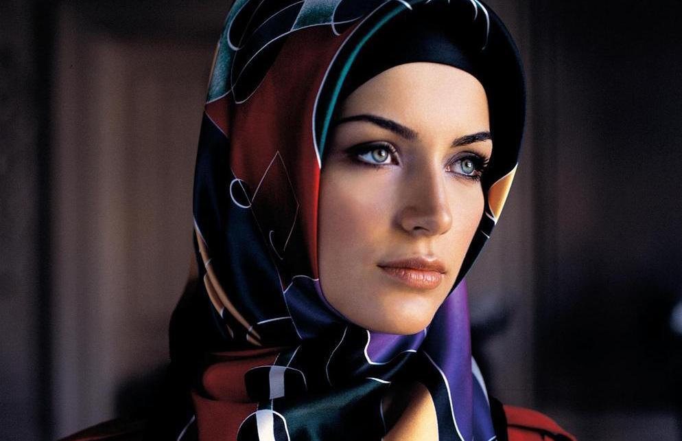 Уволить за хиджаб в России можно, но неофициально, считает эксперт