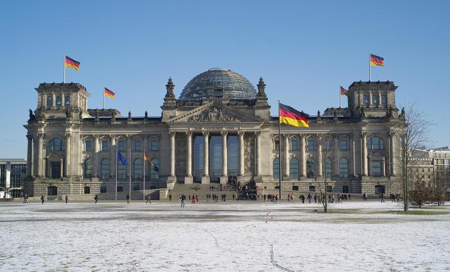 Правда.RU: Национально-религиозная мина для Германии