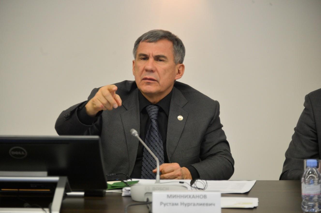 Р. Минниханов: Нам нужны не чиновники, которые гордятся своими чинами, а служащие, которые служат народу