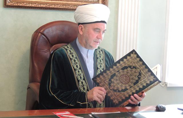 Скандал на могиле отца (или чиновничье невежество и ислам)