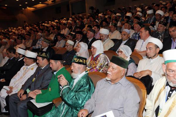 Острые углы форума религиозных деятелей