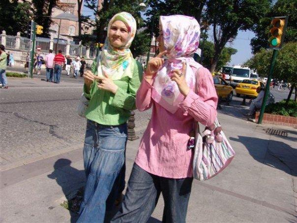 Женские прелести русских девушек, нежная зайка в розовом сосет громадный хуй