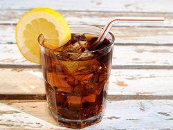 Употребление сладких напитков приводит к полноте