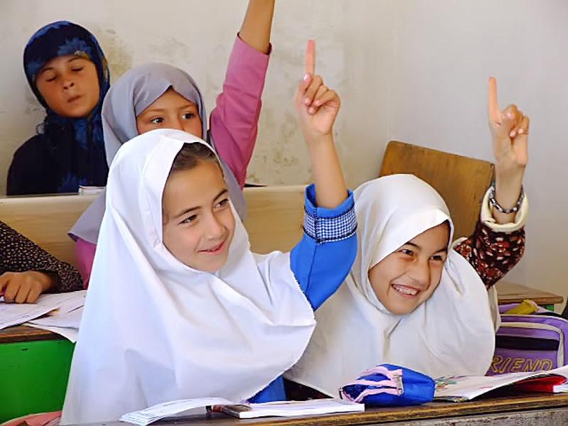 Девушки вытворяют в школах фото 128-439