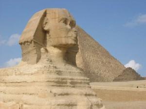 В Египте хотят разрушить Пирамиды и Сфинкса