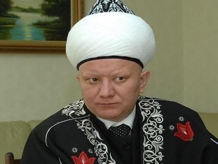Муфтий Крганов Президенту России В.Путину: Мы благодарим Вас за курс сохранения традиционных устоев мира и нравственности.