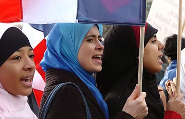 Как создается исламофобия