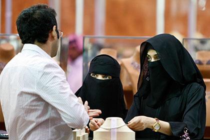 Треть населения Саудовской Аравии составили незамужние женщины ст...