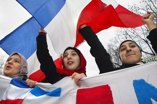 Во Франции опять оскорбили мусульман
