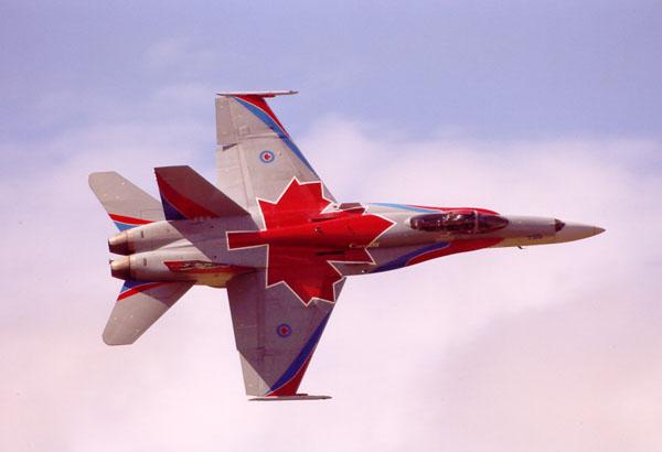 ВВС Канады ударили по позициям ИГ в Сирии