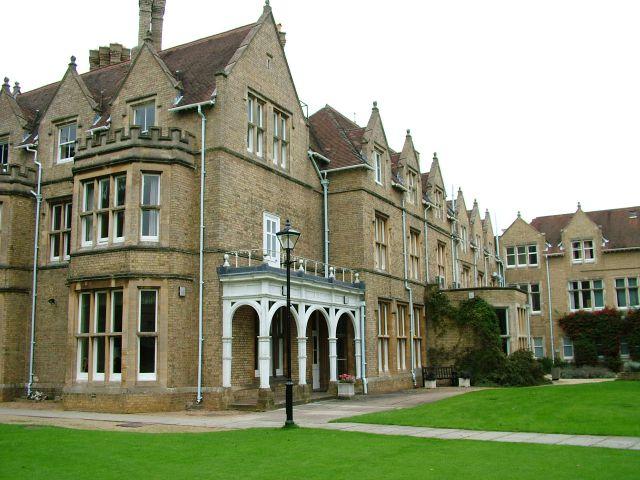 Английские школы подозревают в распространении экстремизма