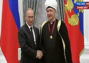 Президент РФ наградил высокой наградой Равиля Гайнутдина