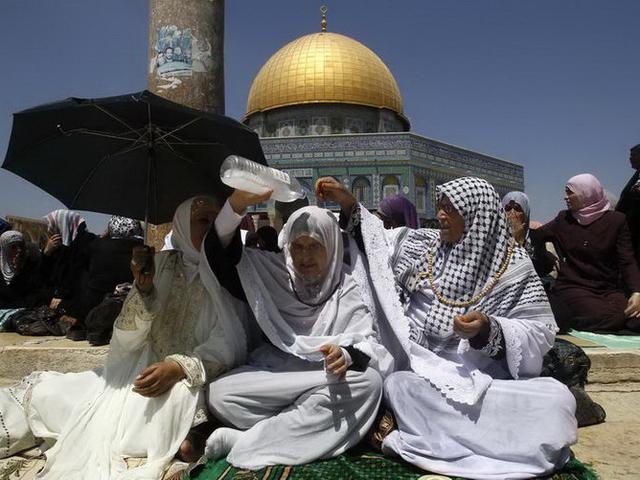 Палестинцам разрешили посещать Иерусалим в Рамадан