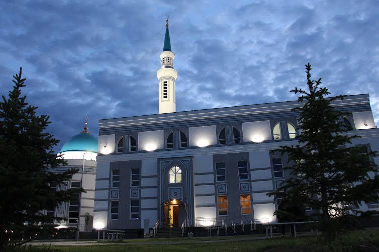 Последний ифтар в мечети Ярдэм