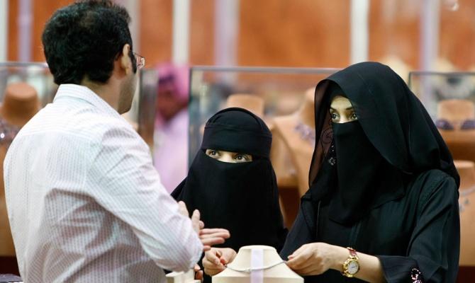 Дешевая нефть разоряет саудитов