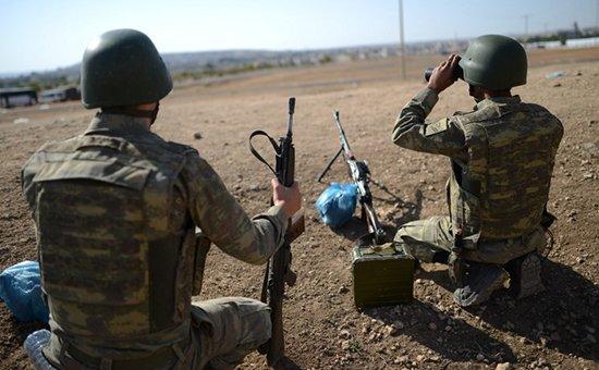 Военный самолет разбился в Сирии на границе с Турцией