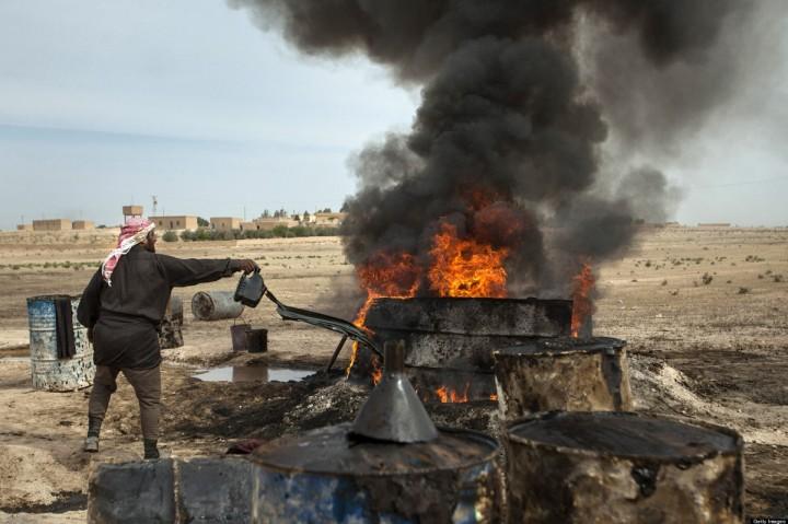 Минобороны: ИГ сокращает «зарплаты» боевикам из-за падения продаж нефти в Турцию