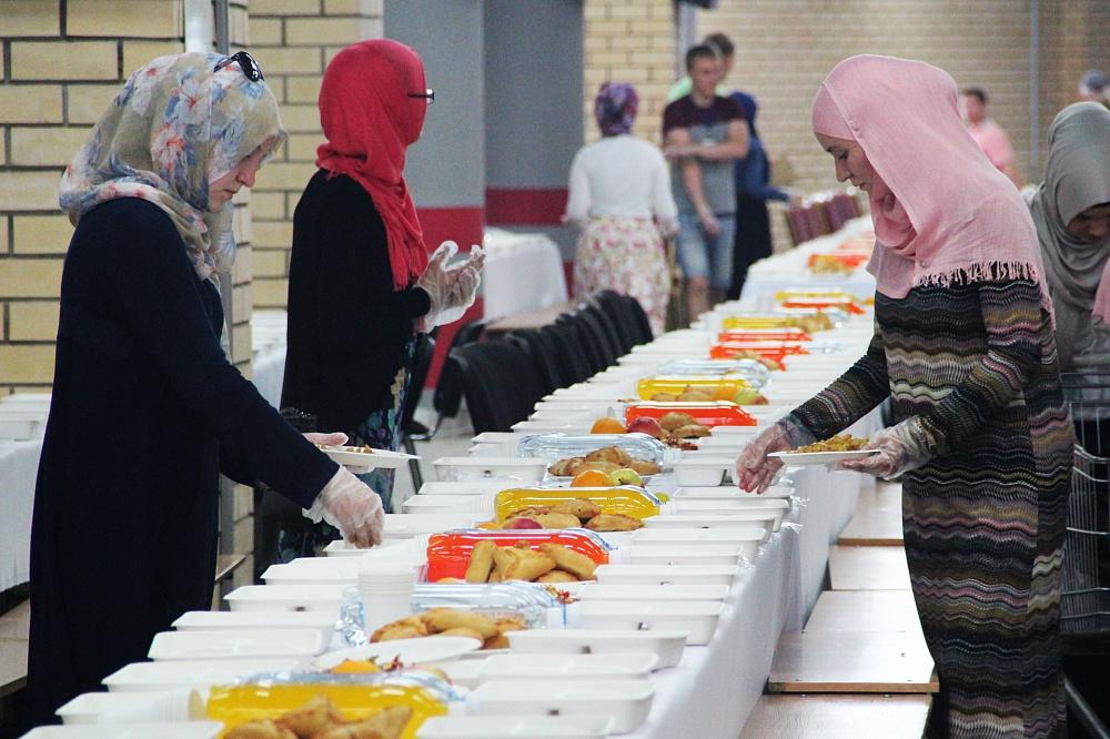 На республиканский ифтар в «Казань Арене» верующих довезут бесплатно