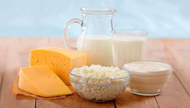 Россельхознадзор составил список добавок в российские молочные продукты: мел, мыло, известь, гипс