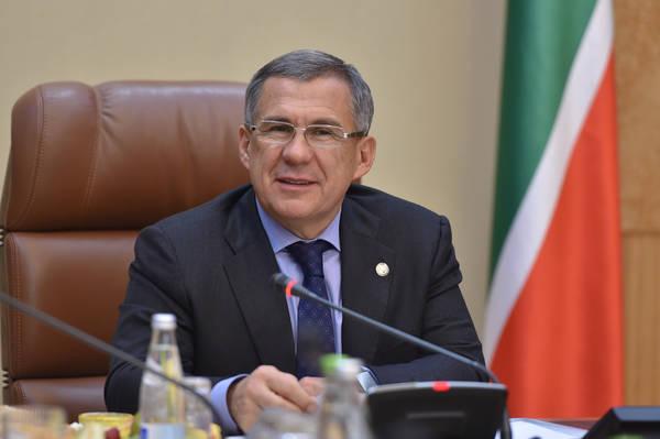 Минниханов поздравил жителей Татарстана с Днем молодежи