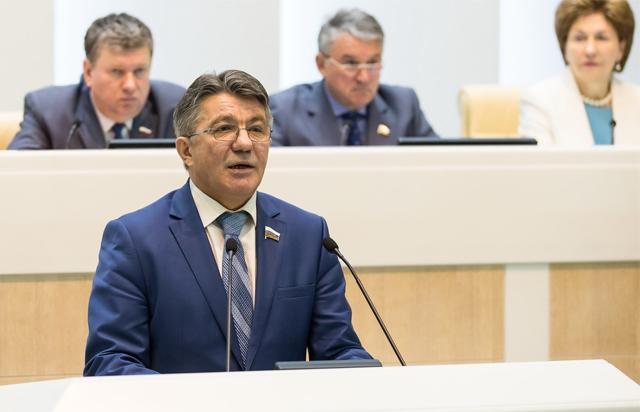 ВСовете Федерации учли замечания операторов связи к«пакету Яровой»— Озеров