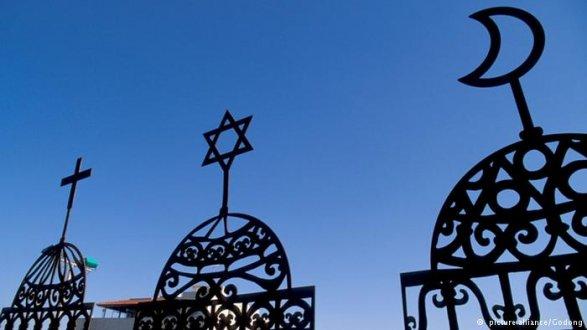 Духовные лидеры мусульман и иудеев раскритиковали закон о миссионерской деятельности