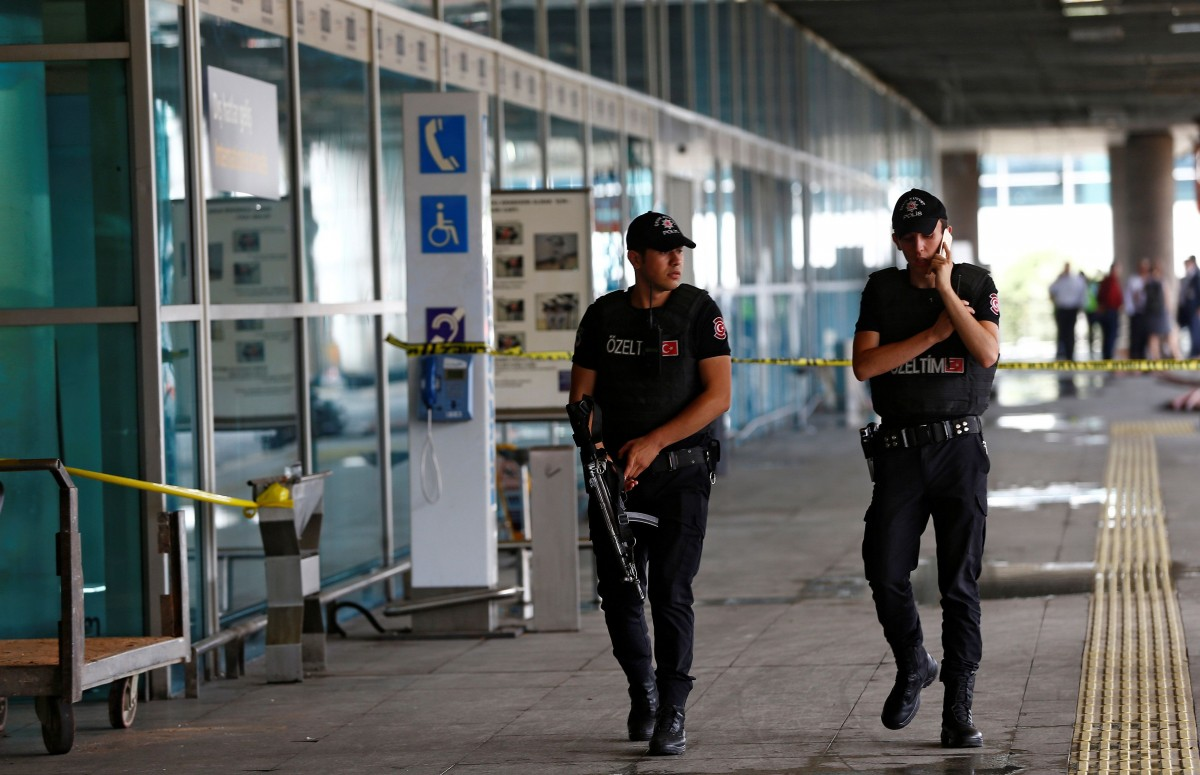 Прокуратура Турции обвиняет 11 россиян в теракте в аэропорту Стамбула