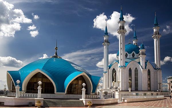 Мечеть Кул-Шариф может украсить новые купюры в 2000 рублей