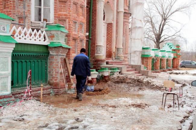 Поврежденная мечеть