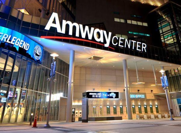 ФСБ провела обыски в российском представительстве Amway