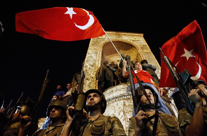 Бывший глава ВВС Турции назвал себя организатором мятежа