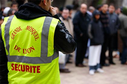 Неизвестные исписали угрозами в адрес мусульман стены мечети в Лионе