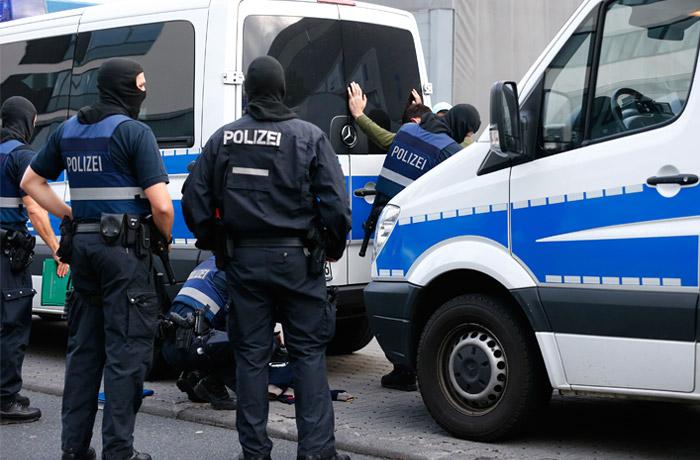 Террорист из Сирии взорвал бомбу в Германии, пострадали 12 человек
