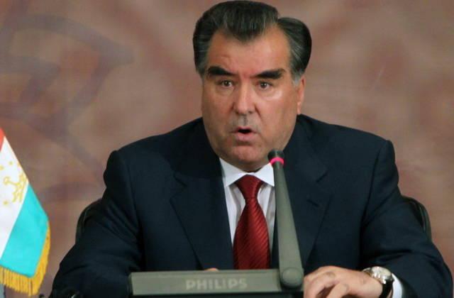 Эмомали Рахмон призвал помогать развивающимся исламским государствам