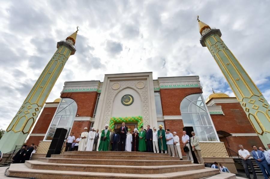 В Ижевске открылась Центральная мечеть, строившаяся 13 лет