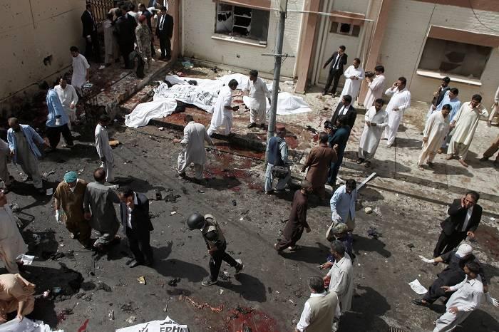 В результате взрыва в Пакистане погибли более 70 человек