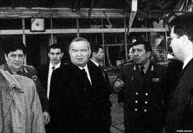 Рустам Иноятов (слева), Ислам Каримов (в центре) и Закир Алматов