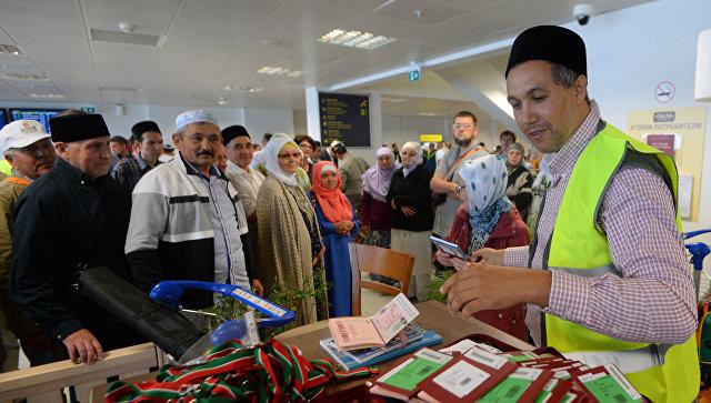 В аэропорту Казани мусульманам провели инструктаж перед отправлением в хадж