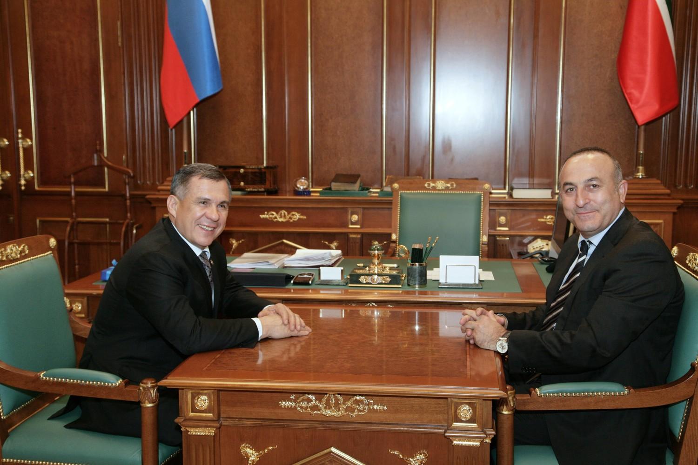 Министр иностранных дел Турции поздравил Минниханова с наступающим Курбан-байрамом