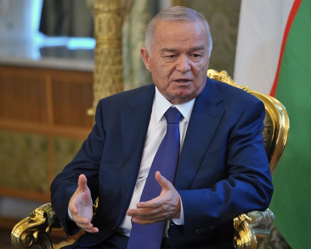 Путин прилетел вСамарканд, чтобы почтить память Каримова