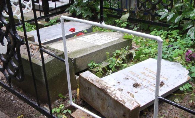 Разрушения 100 надгробий на Ново-татарском кладбище взяли под особый контроль