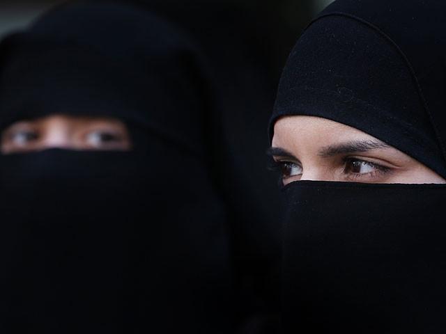 Саудовские женщины требуют отменить опекунство