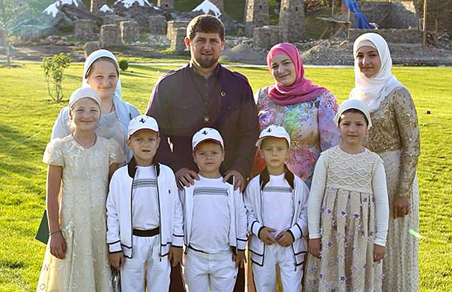 Главы республик Кавказа поздравили Кадырова с рождением сына