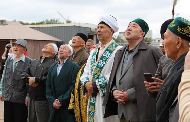 Осмотр строительства Соборной мечети в Уфе