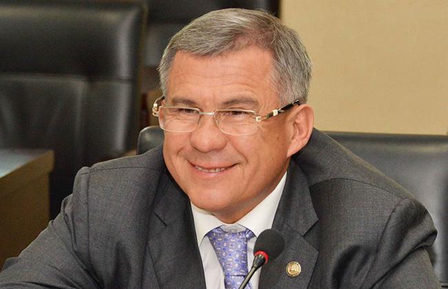 Рустам Минниханов занял 3-ю  строчку вгодовом рейтинге губернаторов