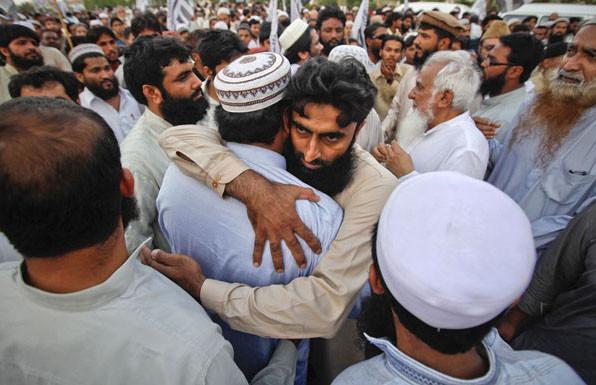 """""""Мусульмане должны уважать друг друга, а не воевать и не завидовать"""", - Шейх Хамад Ас-Синан"""